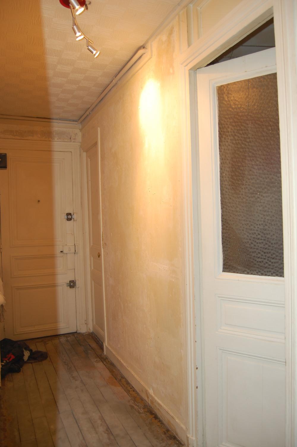 couloir blanc et gris d coration forum la maison france 5. Black Bedroom Furniture Sets. Home Design Ideas